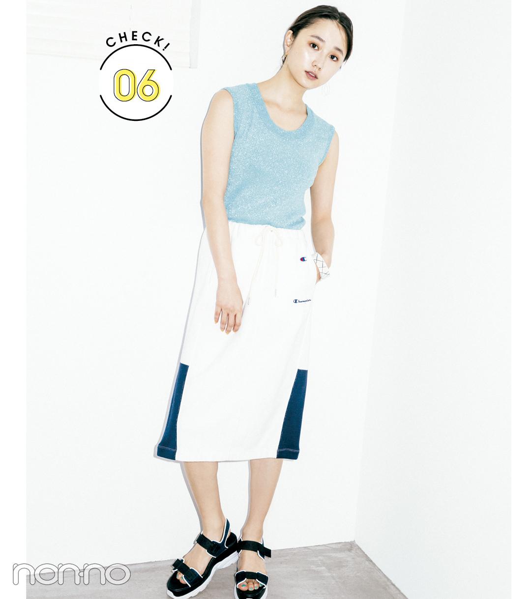 【夏のサンダルコーデ】西野七瀬のレトロ可愛いディテールで差がつく1着で大人っぽコーデ
