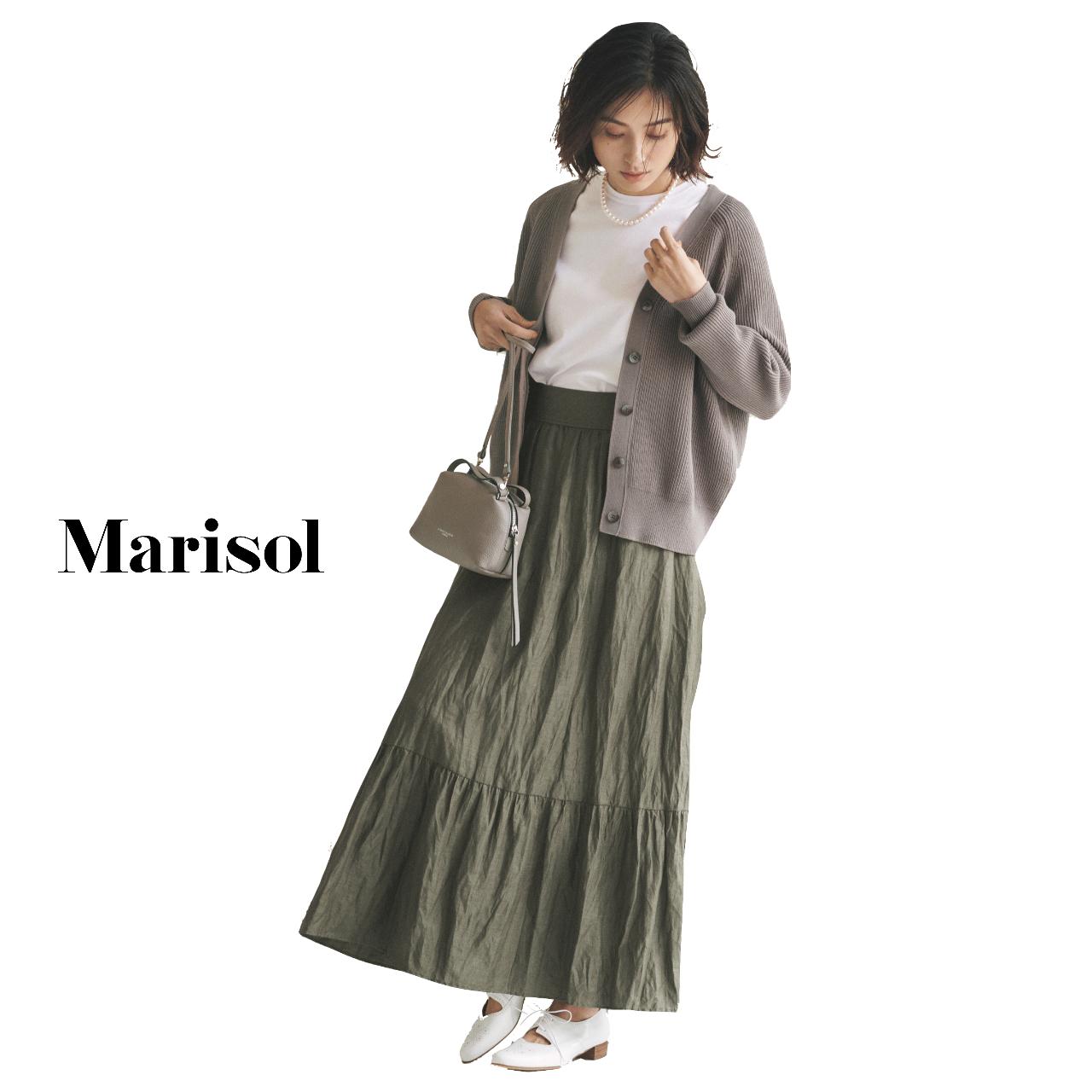 40代ファッション 白Tシャツ×カーディガン×カーキロングティアードスカートコーデ