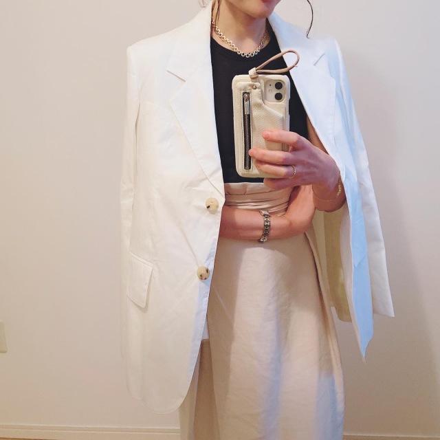 夏にさっと羽織りたい!Acne Studiosの白いジャケット_1_3
