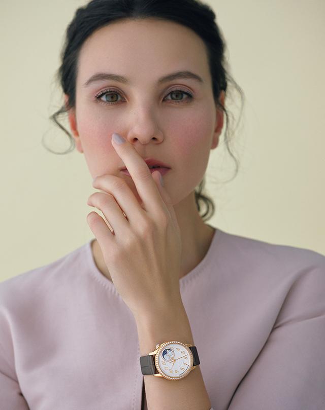 時計「エジェリー・ムーンフェイズ」(前出と共通)¥3,500,000[予価]/ヴァシュロン・コンスタンタン