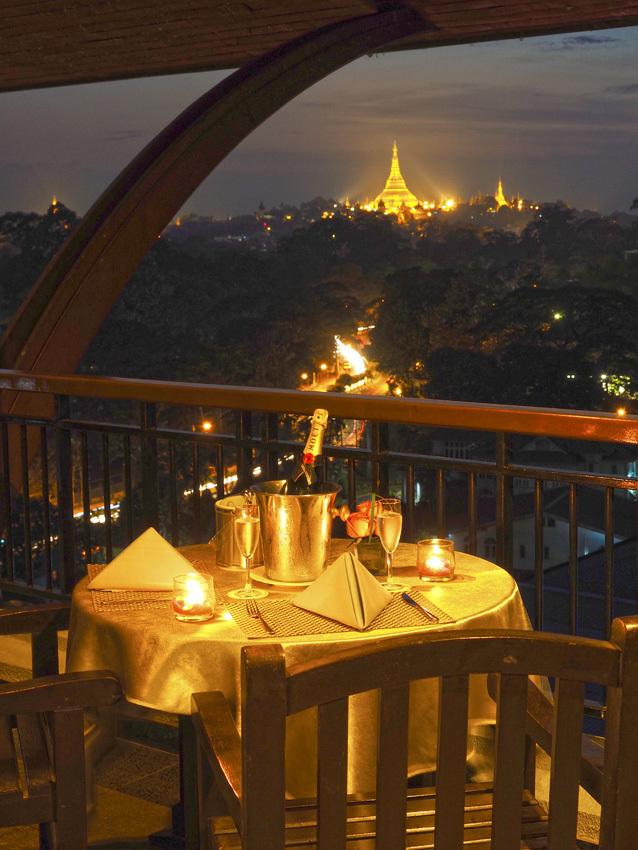 <ミャンマーの旅>シュエダゴン パゴダの夜景が素晴らしい、チャトリウムホテル(ヤンゴン②)_1_5-1