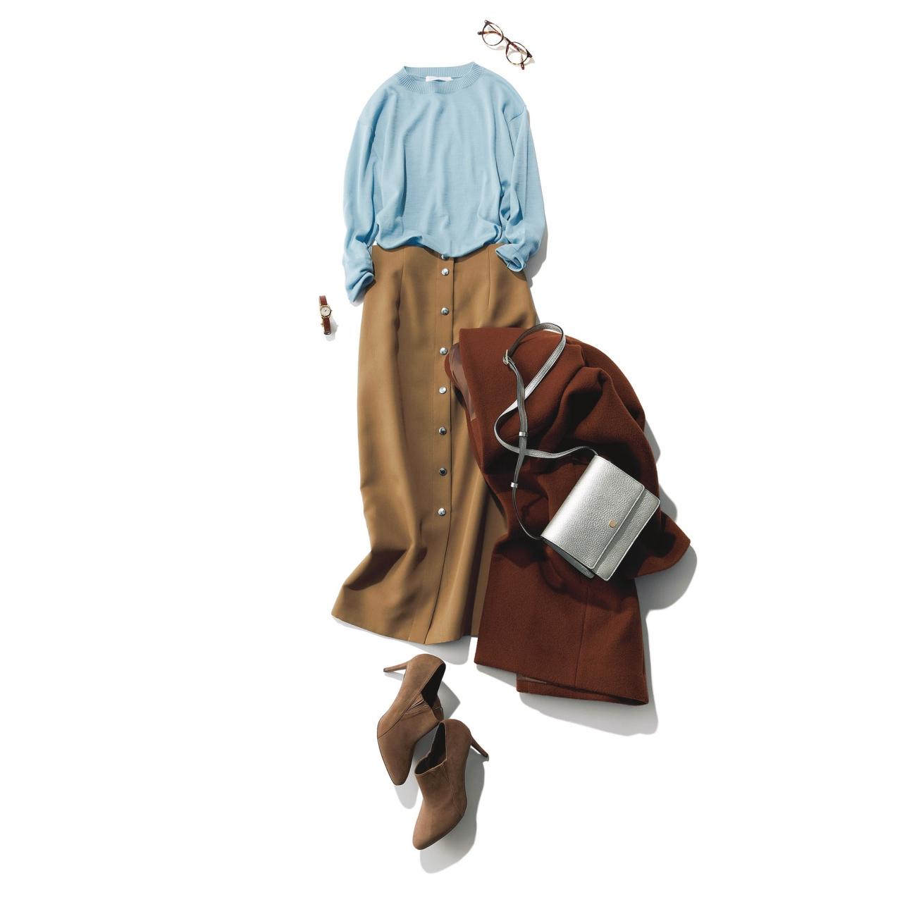 ベージュのタイトスカート×水色ニットのファッションコーデ