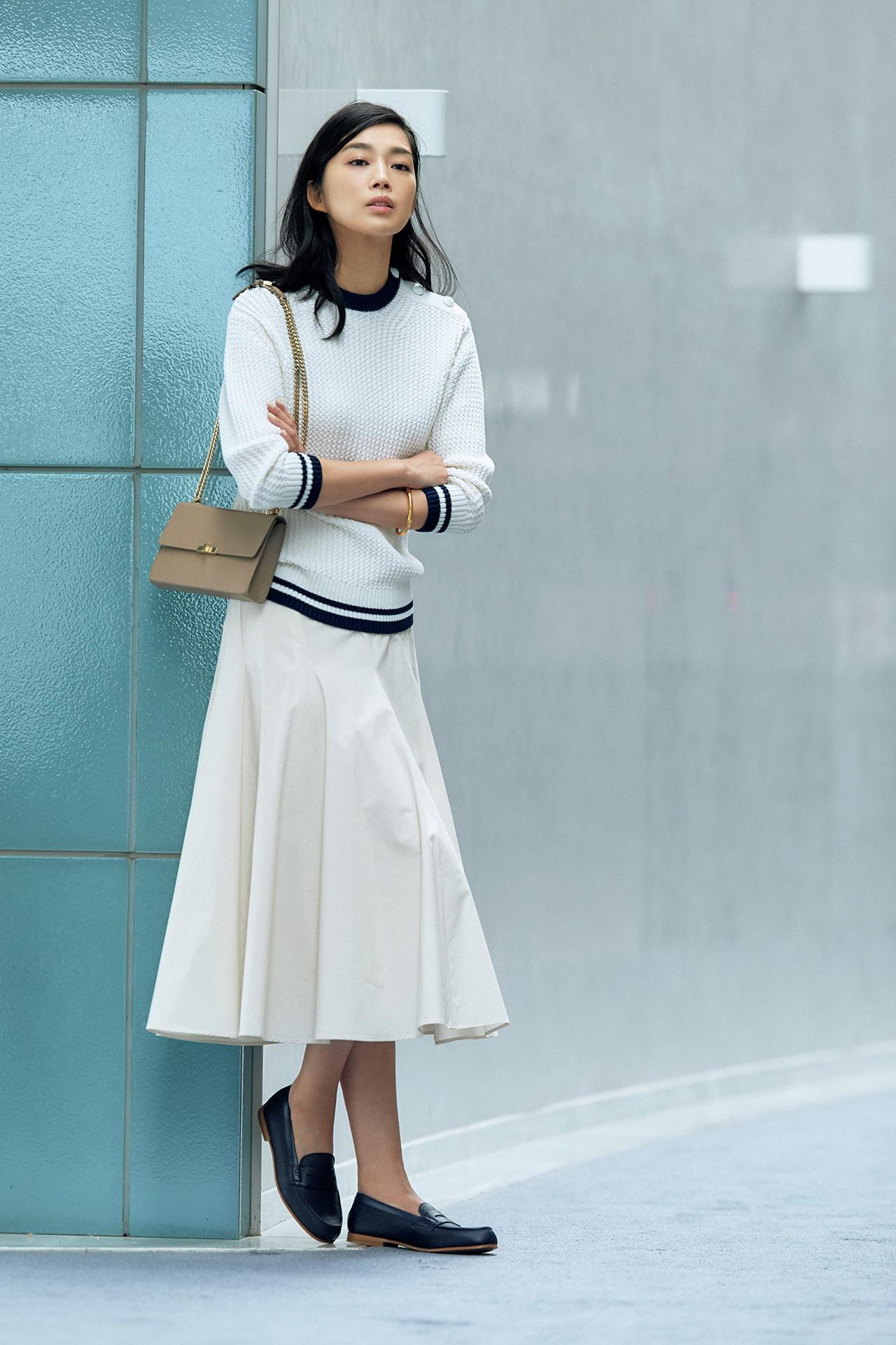 春のスカートスタイルで差をつけたいなら、こだわりカラーのマニッシュ靴を投入 五選_1_1-4