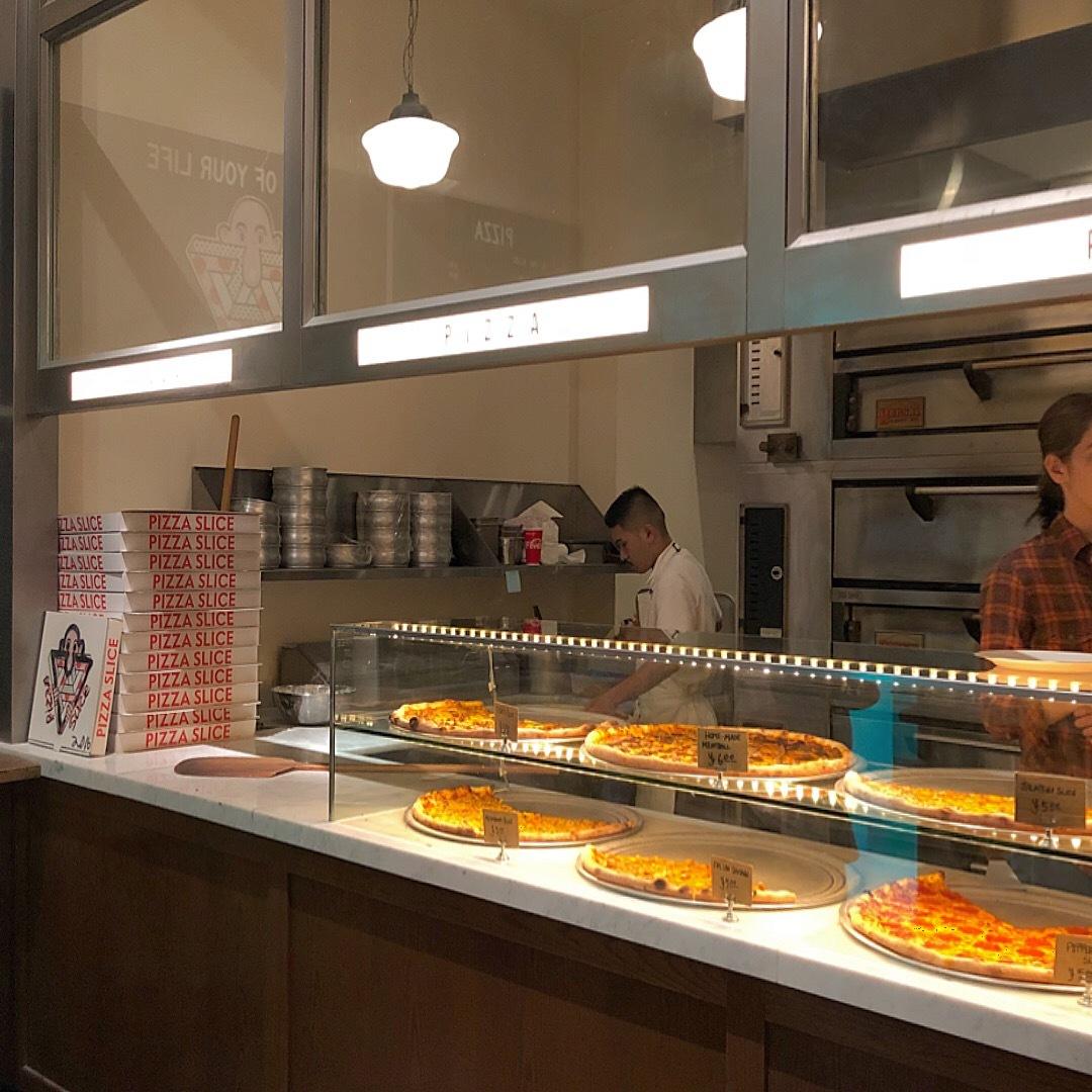 店内も食べ物もアメリカン★サプライズは是非pizzasliceで★_1_3-3
