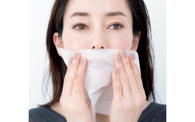 ティッシュオフで密着度を高め、マスクくずれも予防