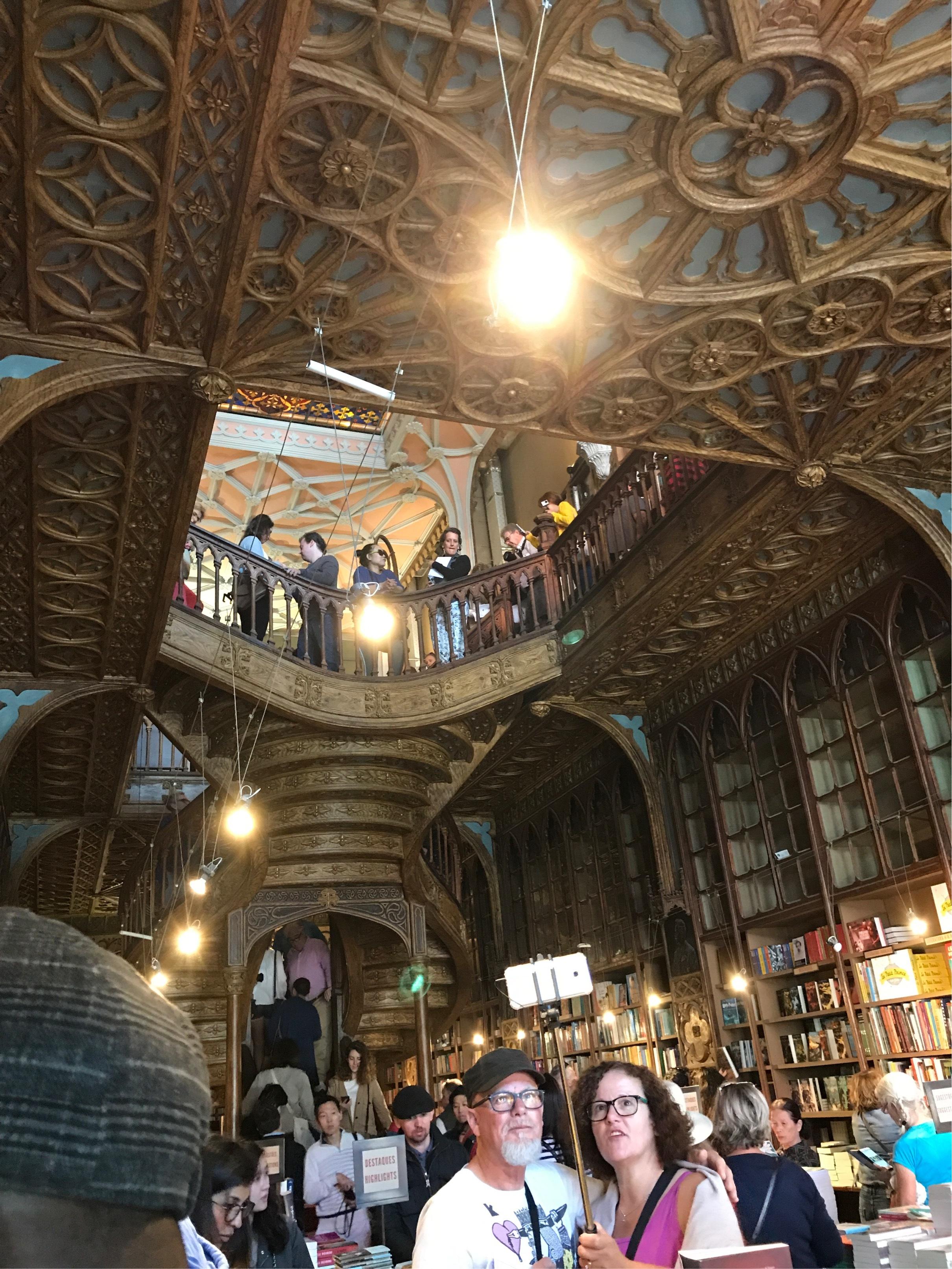 ポルトガルへ行って来ました〜世界一美しい書店編〜_1_3-2