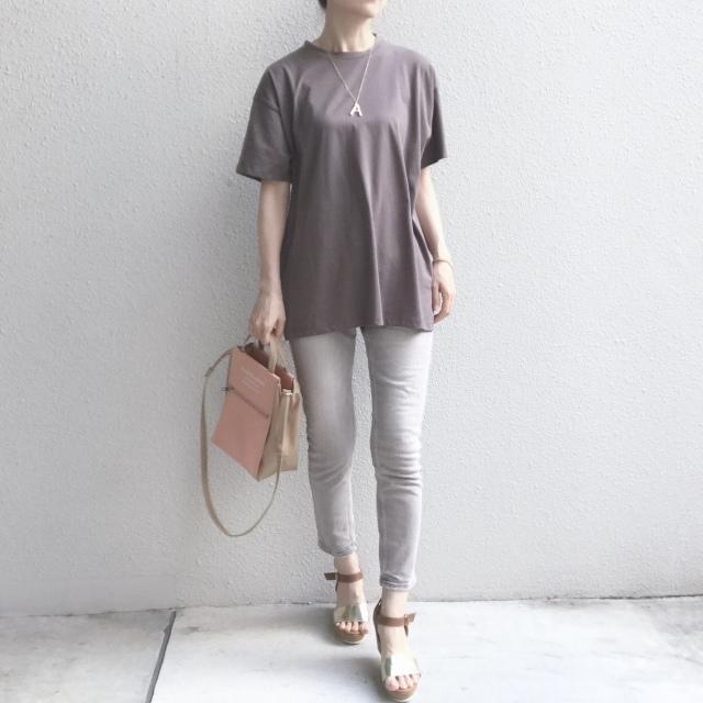 今年は着心地と質感で選ぶ、ニュアンスカラーTシャツ_1_4