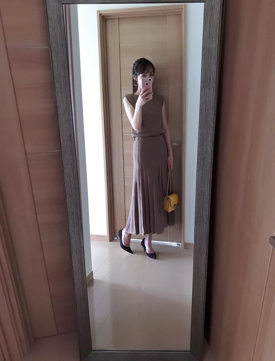 ロペピクニックのブラウンワンピースを着た美女組のAkaneさん