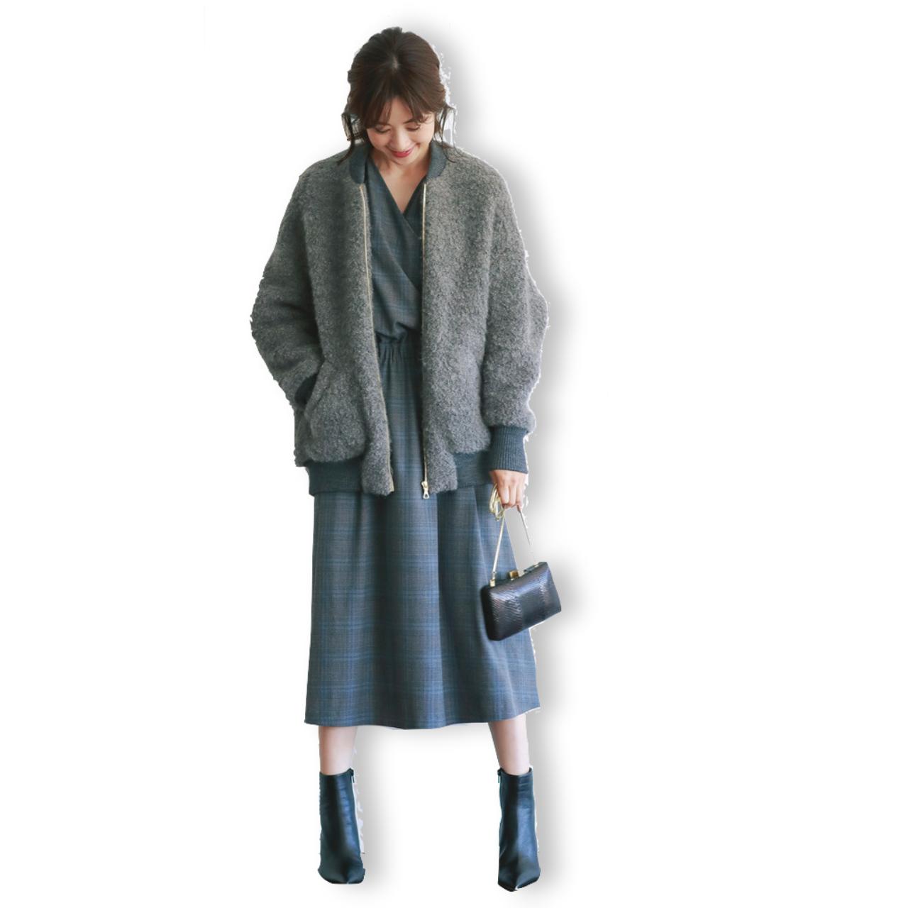 ブルゾン×カシュクールワンピースのファッションコーデ