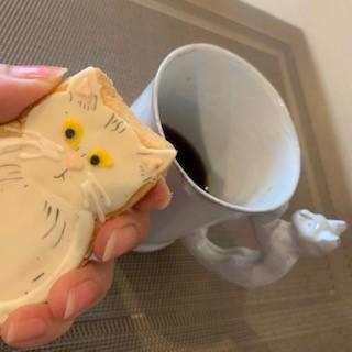 アイシングの猫のクッキーとコーヒーは合う