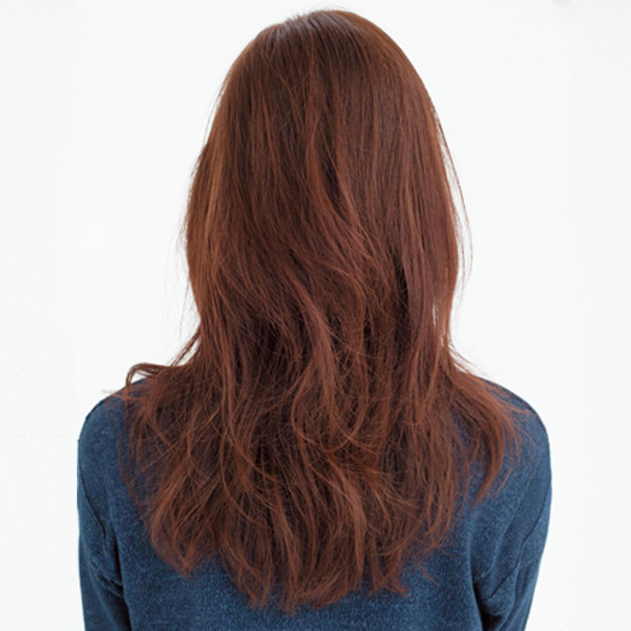 スタイリングも簡単。かき上げ前髪でおしゃれ度上昇!【40代のロングヘア】_1_3