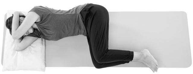 寝姿勢で優しく首伸ばし2