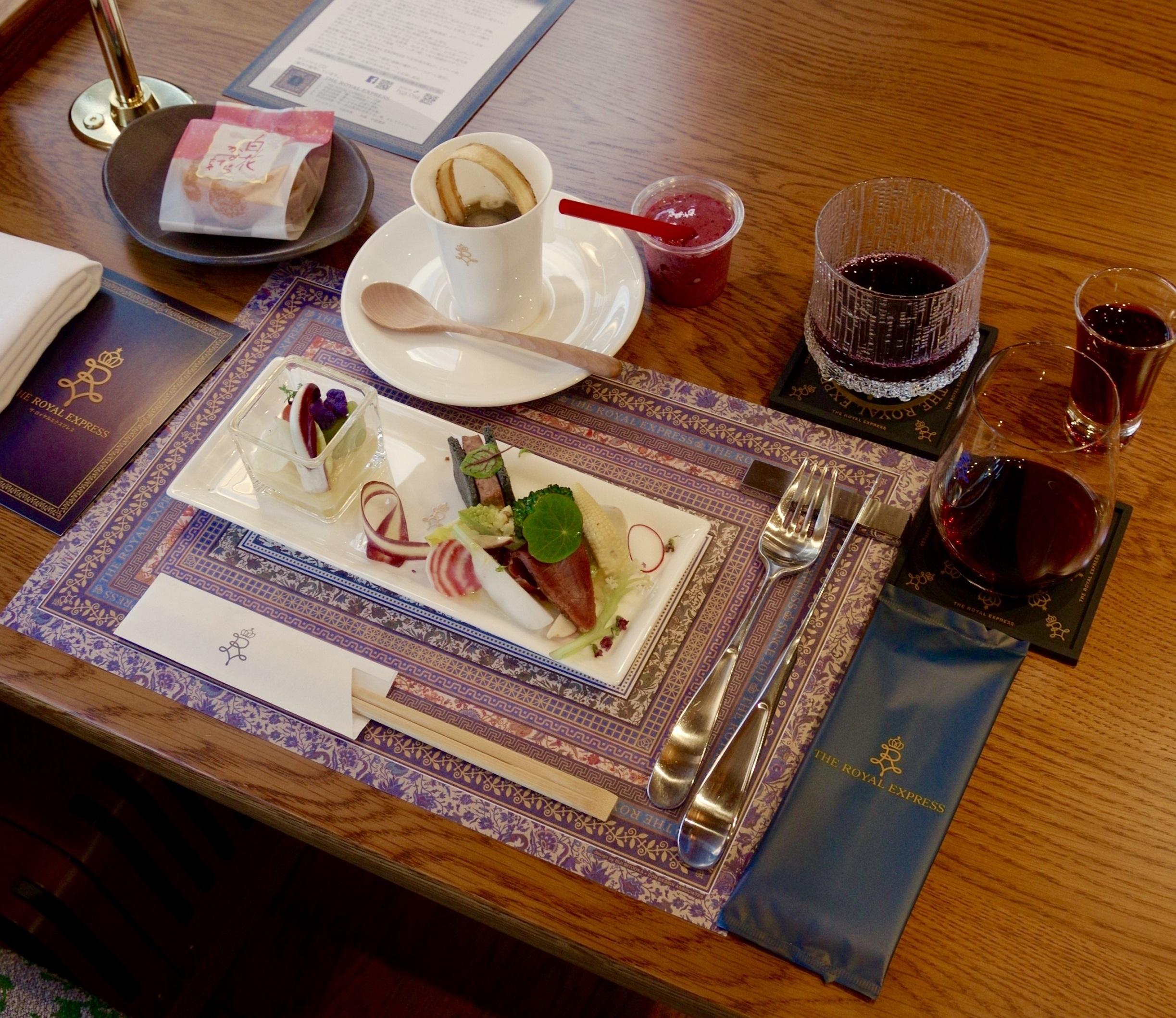 ザロイヤルエクスプレス北海道の料理は道産食材が豊富