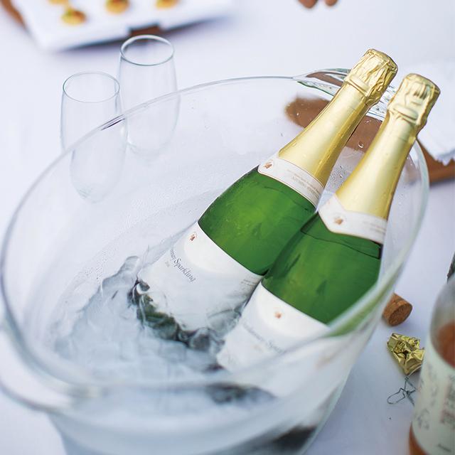 料理に合わせた長野県産ワインのペアリングも好評だ。