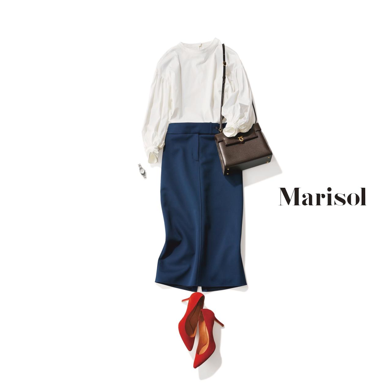 40代ファッション 白ブラウス×ネイビースカートコーデ