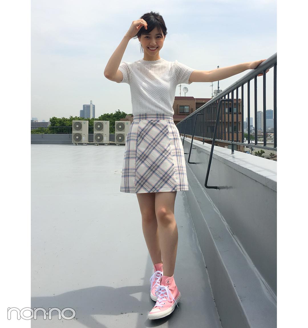 西野七瀬はチェックミニ&スニーカーで可愛げアクティブ☆【毎日コーデ】_1_1