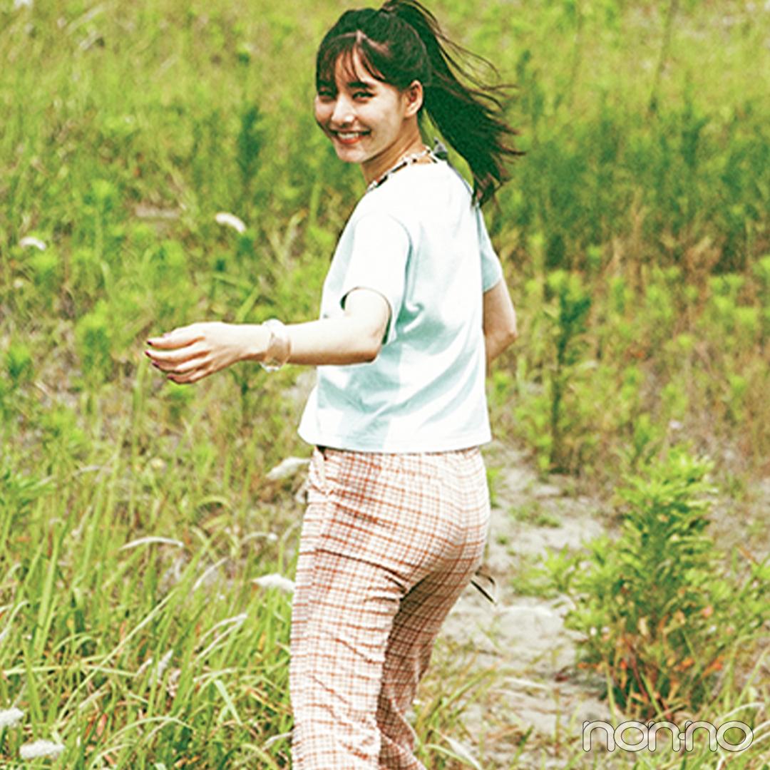 新木優子はチェックパンツを主役に夏らしいヘルシーカジュアル【大学生の毎日コーデ】