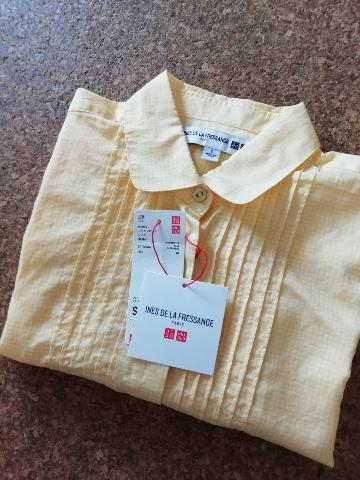 UNIQLOとINES DE LA FRESSANGEのコラボ商品、コットンローンシャツ。黄色です。