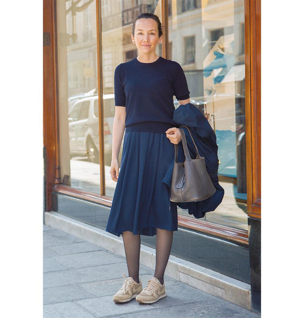 ベーシックカラーのスカートコーデ【ファッションSNAP パリ・ミラノ編】_1_1-1