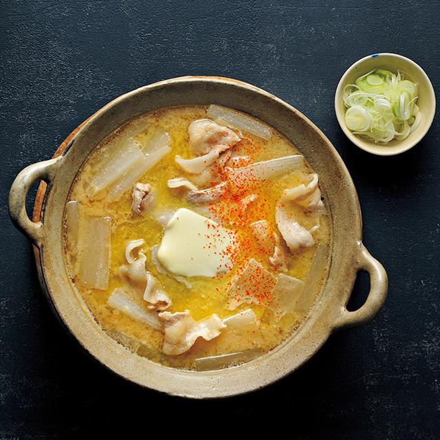 大根と豚バラの白味噌鍋