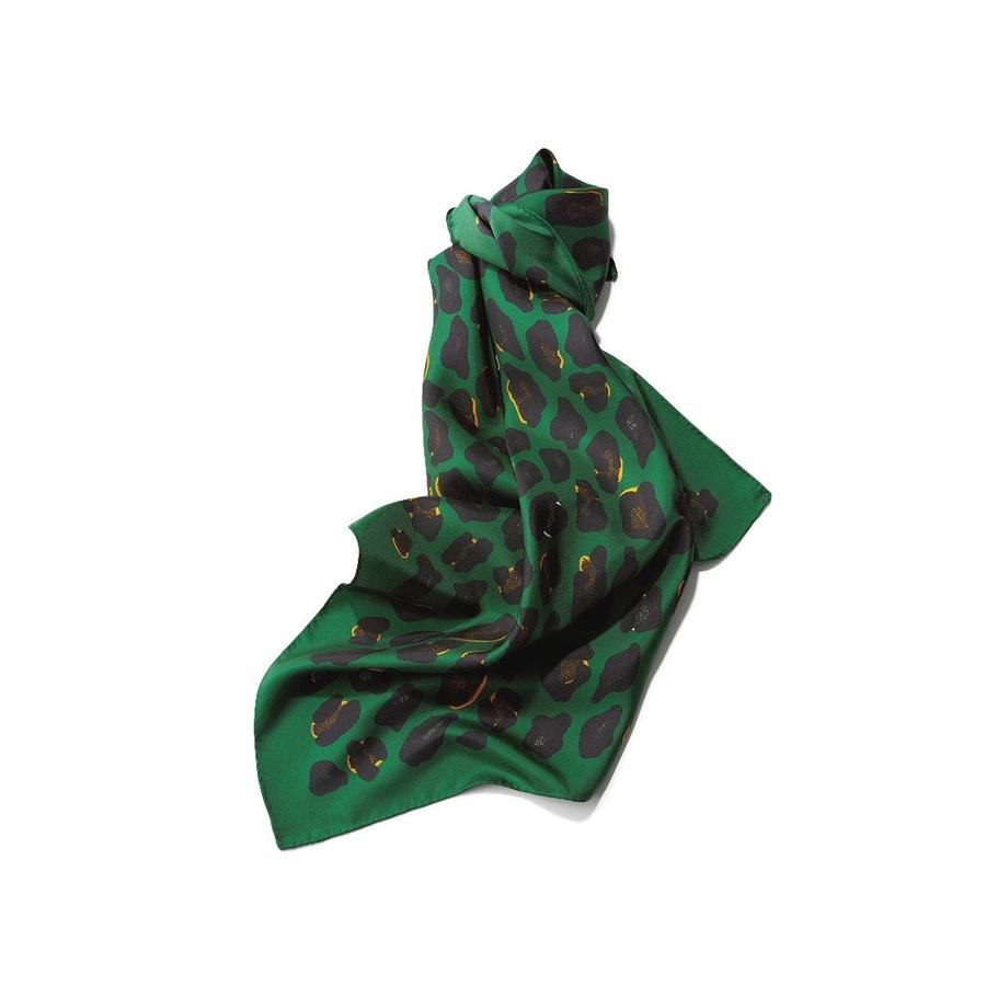 ファッション アネーのスカーフ