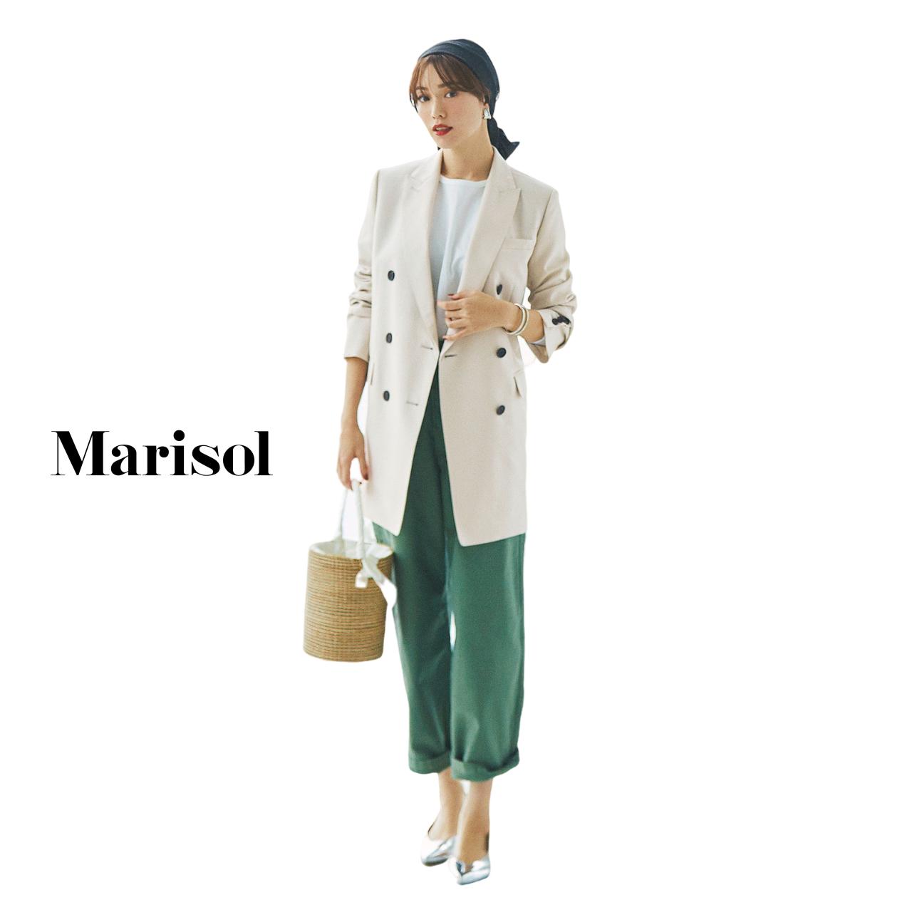 40代ファッション 白ロングジャケット×カーゴパンツコーデ
