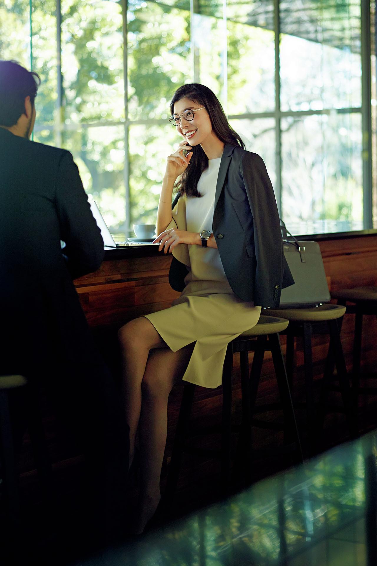 商談ではワンピースにジャケットをはおって好感度高く【出張着回しコーディネート】_1_1