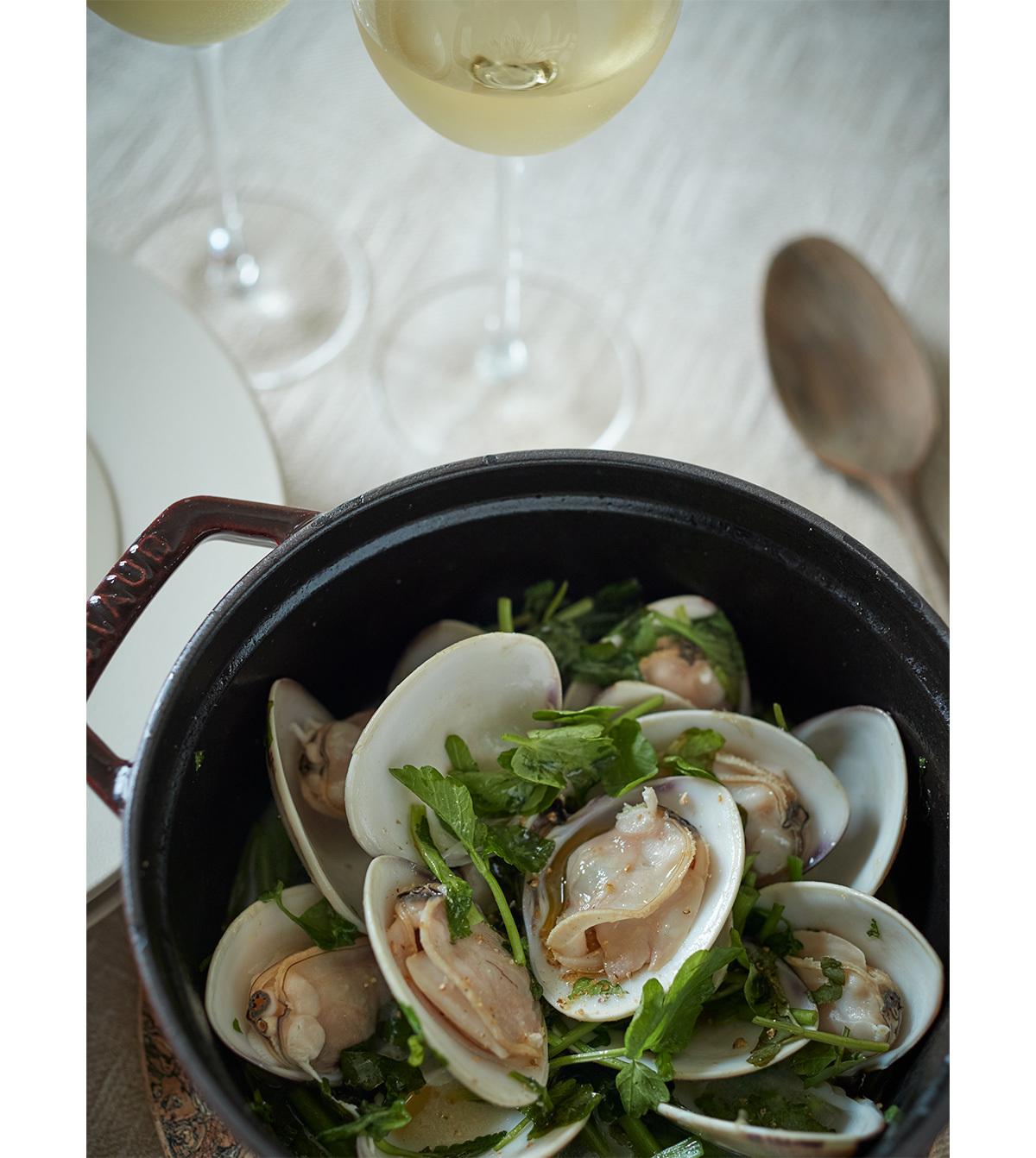 【オーストリア白ワインに合うおつまみレシピ 3】はまぐりとせりのワイン蒸し1