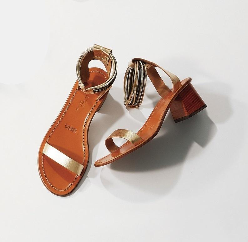 ファッション マウロ・デ・バーリのアンクルストラップサンダル