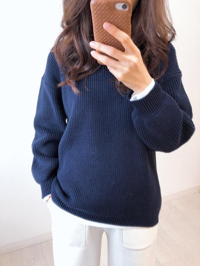 GU オーバーサイズクルーネックセーター