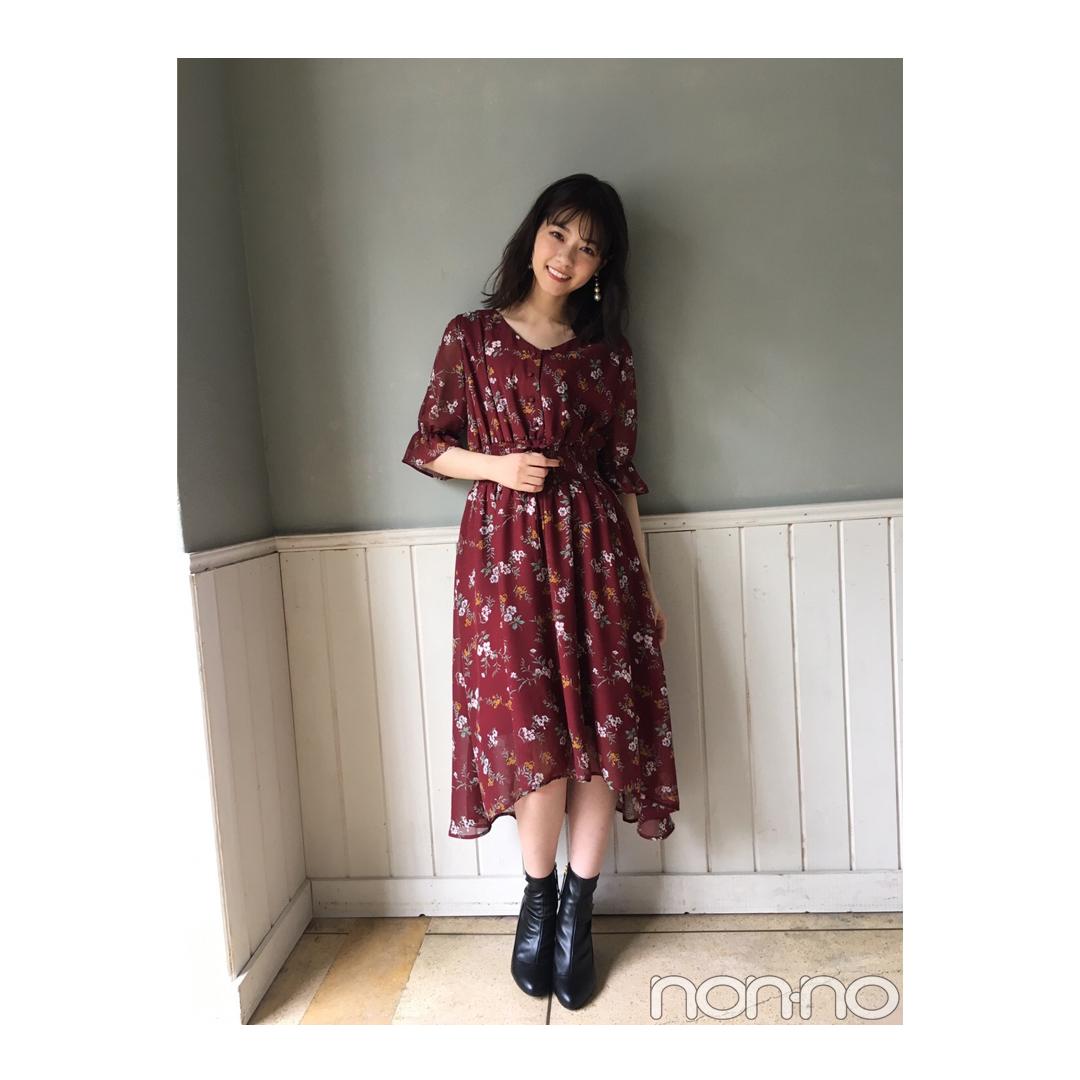 西野七瀬はこっくりボルドーの花柄ワンピでフェミニンに【毎日コーデ】_1_1