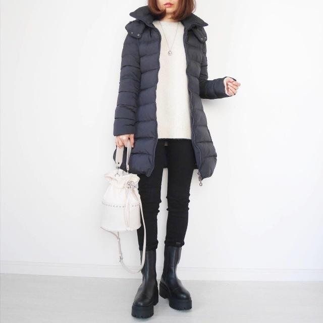 ダウンコート、 H&Mのプラットフォーム型のチェルシーブーツ