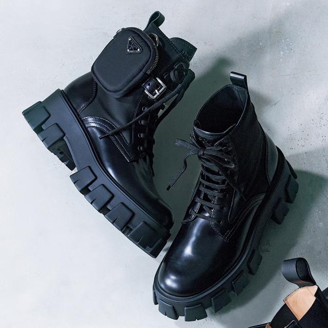 靴(5.5)¥144,000(予定価格)/プラダ クライアントサービス(プラダ)