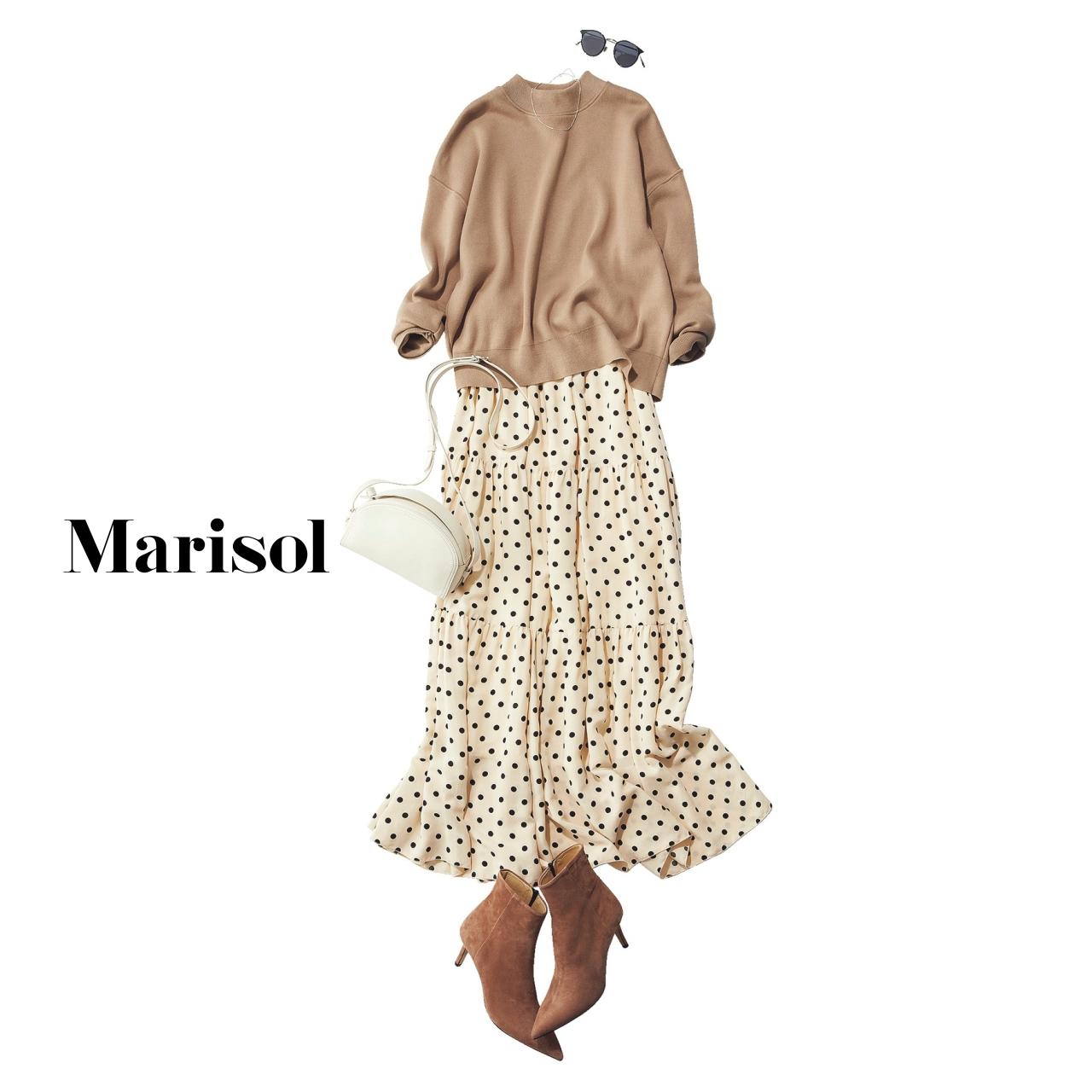 40代ファッション ベージュプルオーバー×スカートコーデ