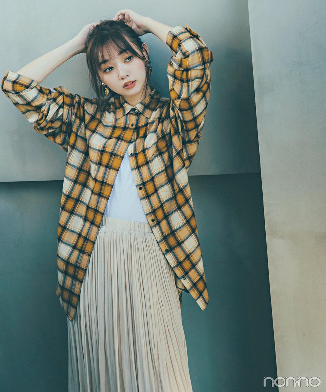 秋色チェックシャツはプリーツスカートと合わせて甘めミックス【毎日コーデ】