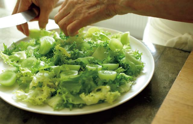 グリーンのぶどうとグリーンのサラダ