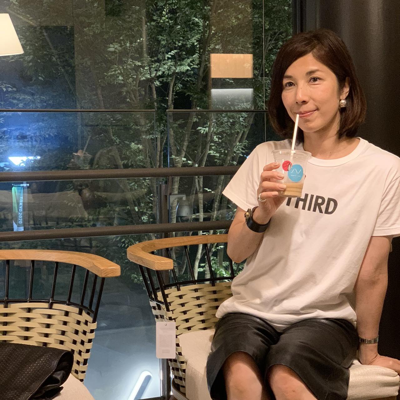 ヘビロテ決定 ホワイト✖️ブラック ロゴTシャツコーデ②_1_5