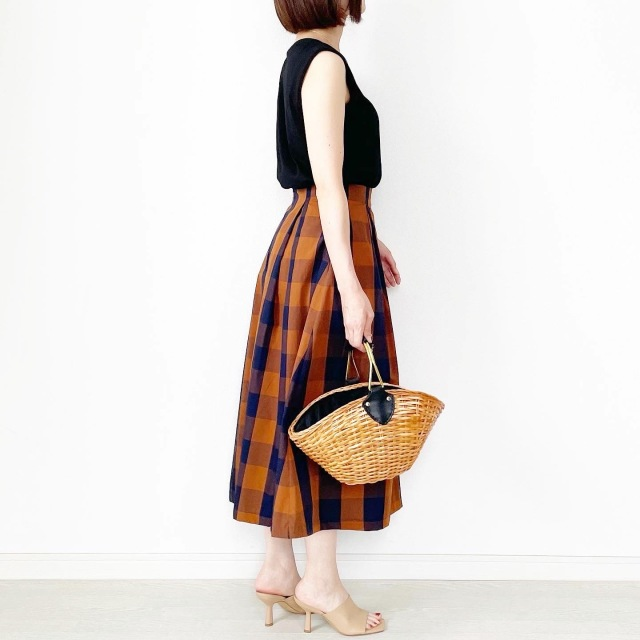 夏から秋まで!長く着られるスカート【tomomiyuコーデ】_1_2