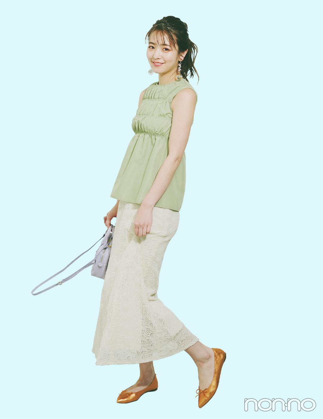ギャザートップスとレーススカートで作る夏の大人フェミニン【大学生の毎日コーデ】