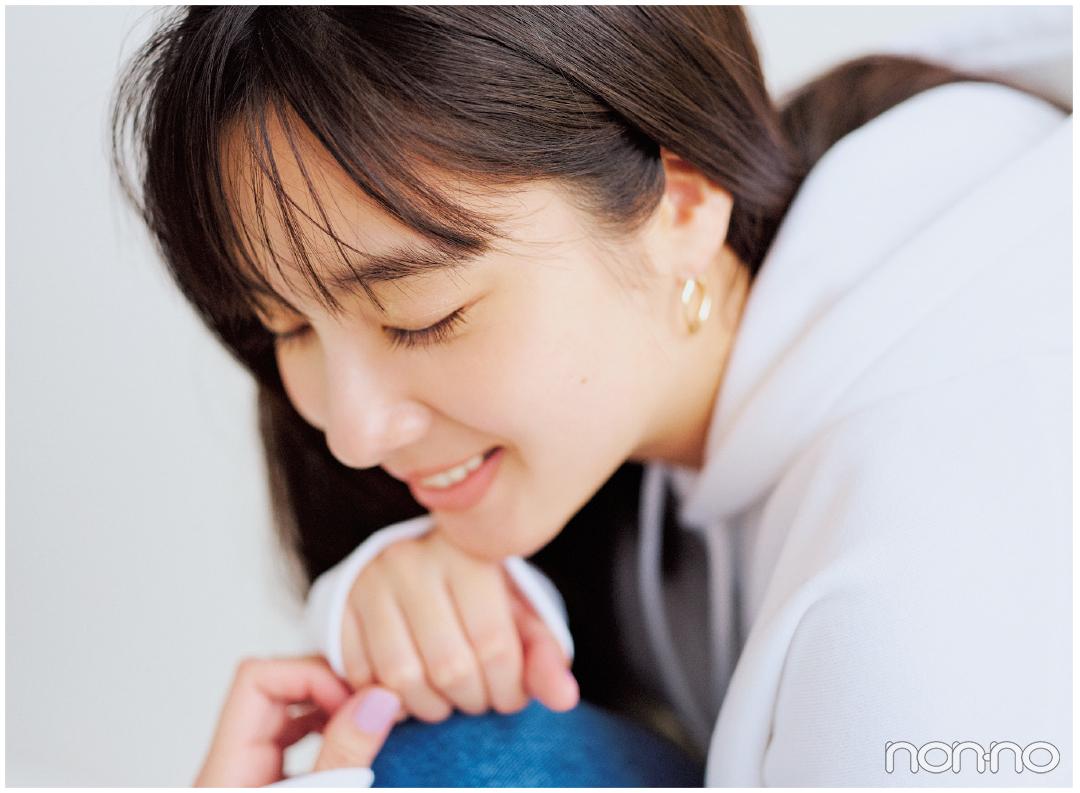 新川優愛の幸せ顔のヒミツ♡ オフの日、彼とごはんに行くときのメイクって?_1_7