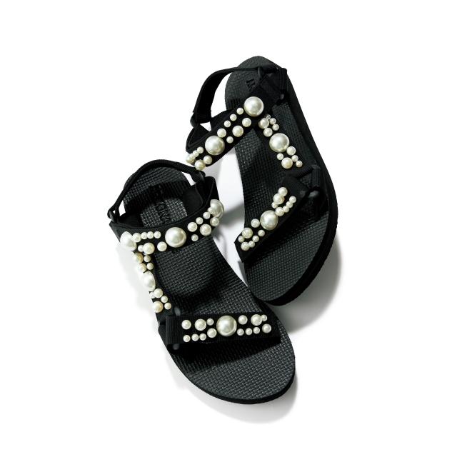 靴(H約2.5)¥28,600/マルティニーク ルコント ルミネ有楽町店(アリゾナ ラブ)