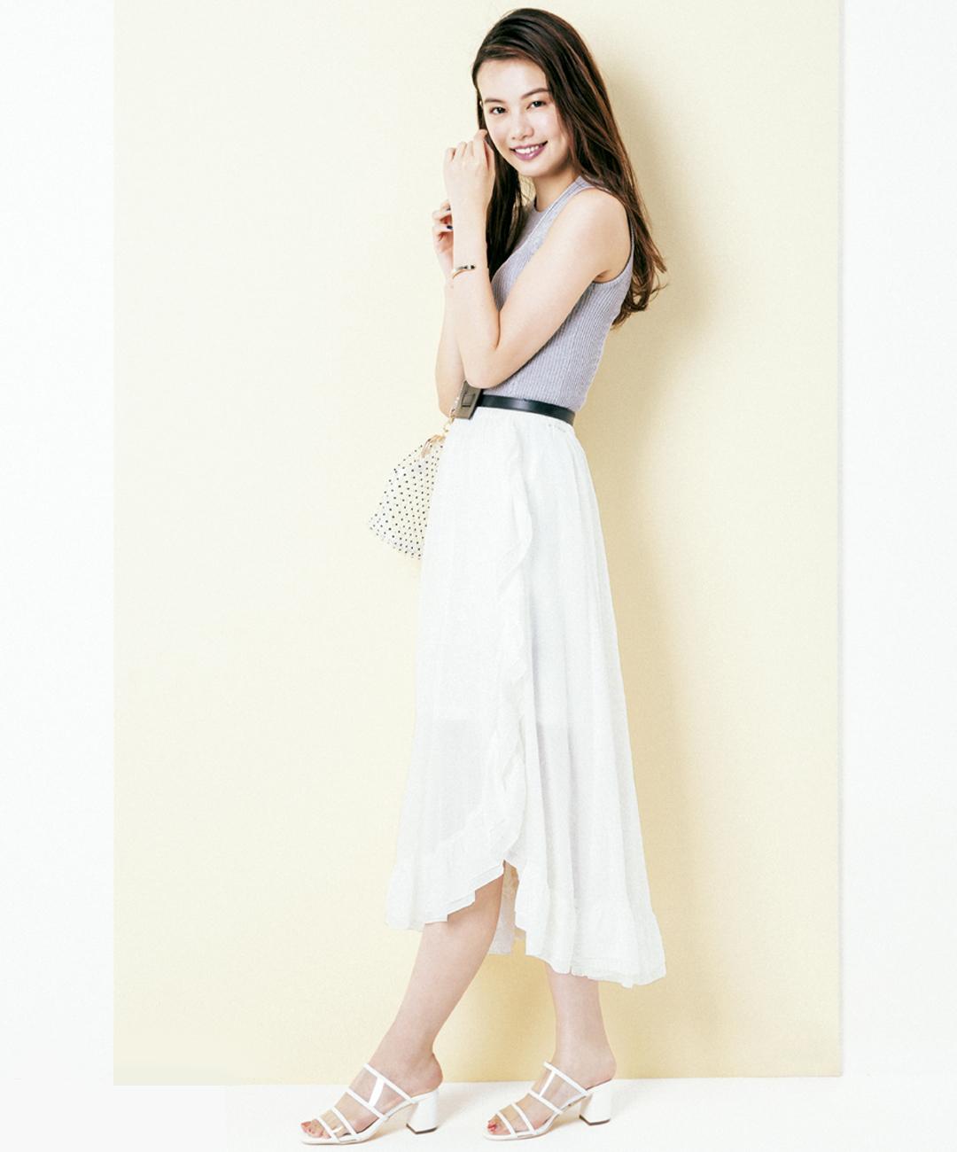 【夏のロングスカートコーデ】泉はるは、甘めペタルスカートで脚長効果を演出!