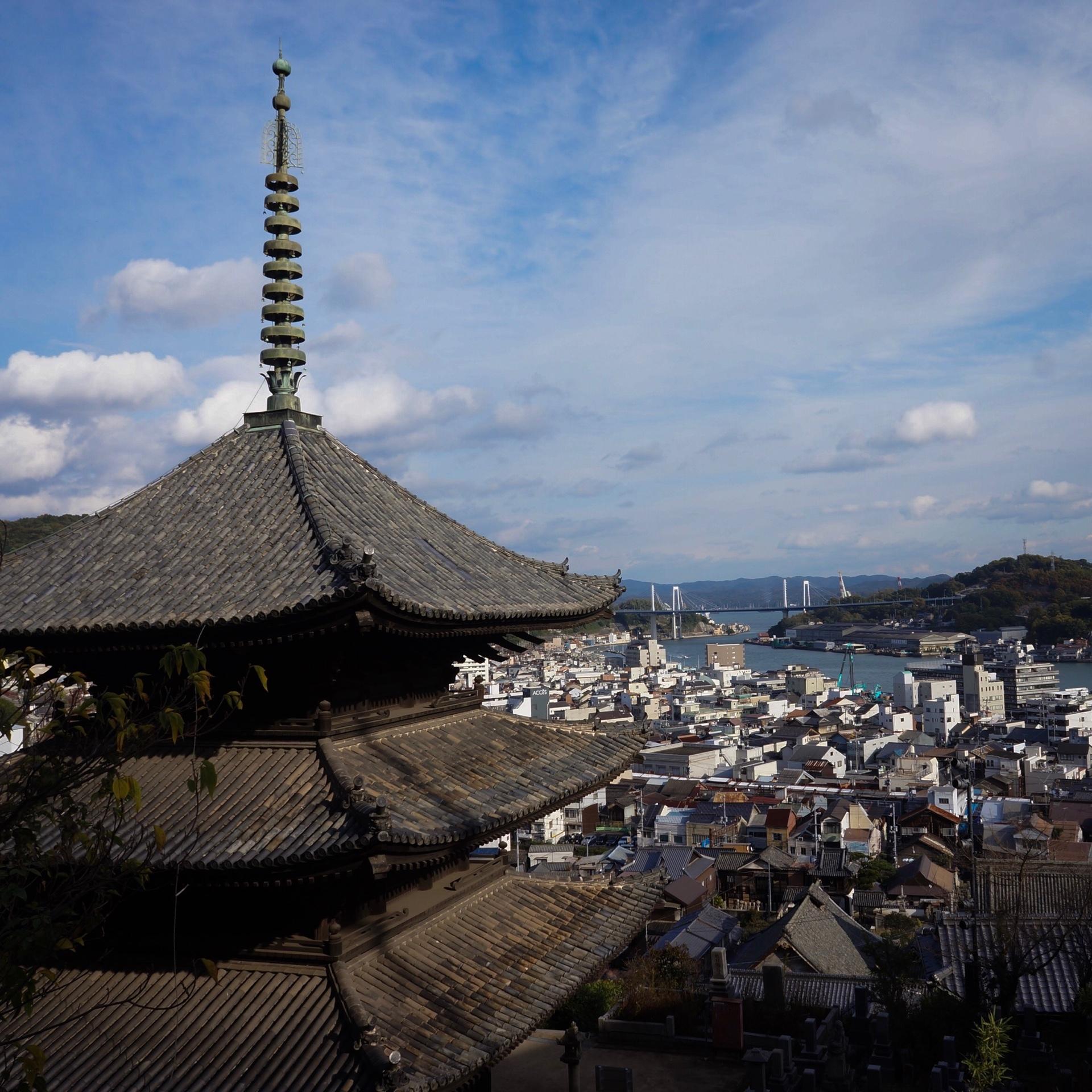 「転校生」「時をかける少女」「さびしんぼう」など、尾道3部作の舞台となった街。どこか鎌倉にも似た雰囲気。
