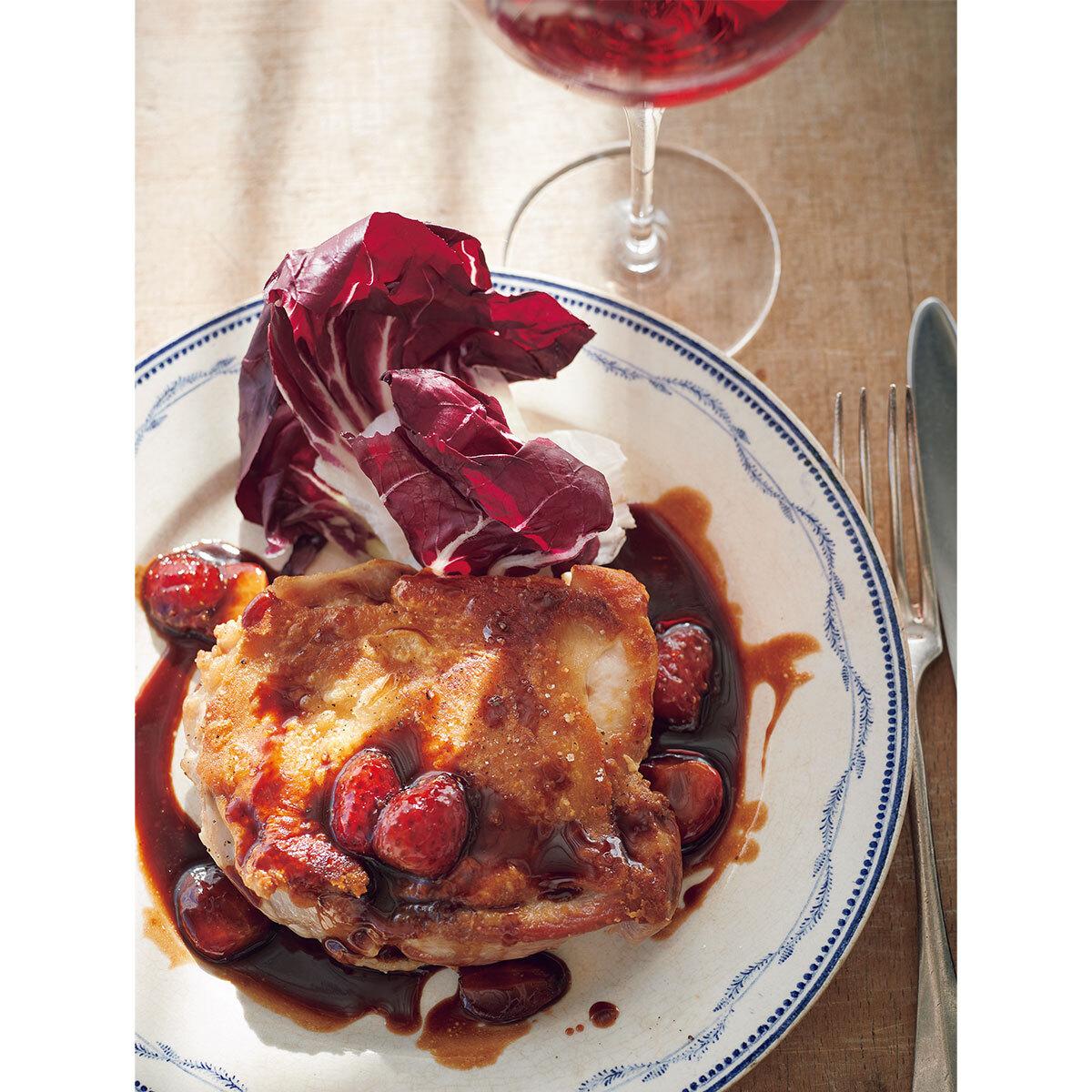 ロゼワイン×鶏のポワレ いちごバルサミコ酢ソース