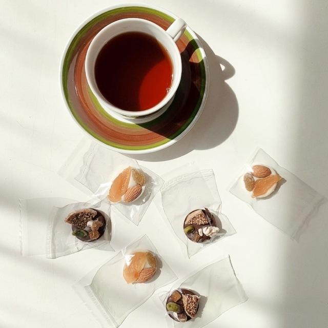 パッケージデザインも可愛いプレゼントにも最適なチョコレート_1_2