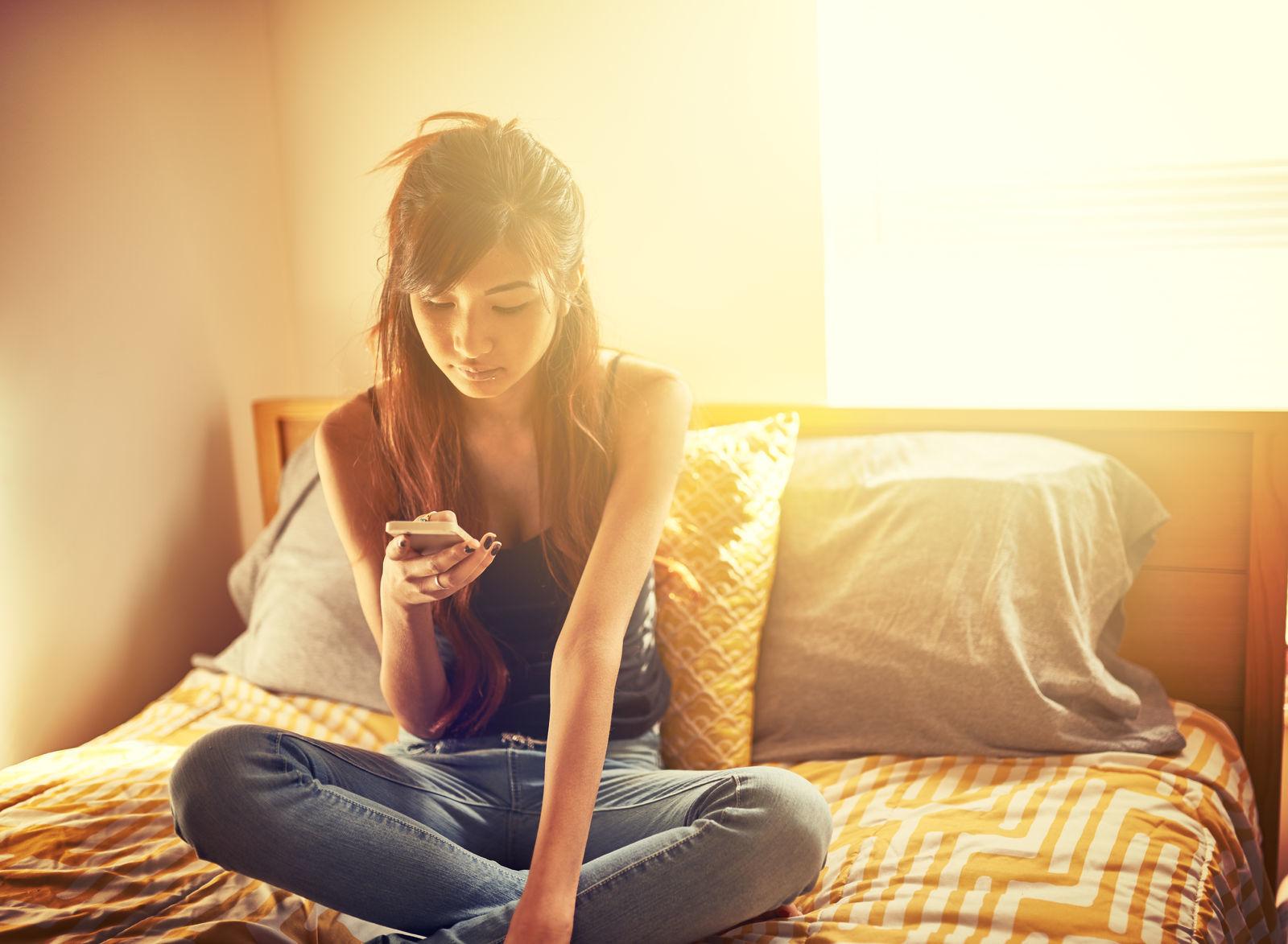 18歳~25歳女子の遠距離恋愛をうまく続けるためのコツ【みんなの恋愛&モテ★裏トーク】_1_1