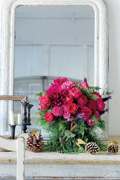 格式と優美さを添える花を 並木容子さんから学ぶクリスマスとお正月の花あしらい_1_1-2