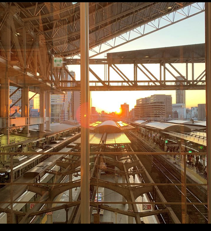 JR大阪駅 校内