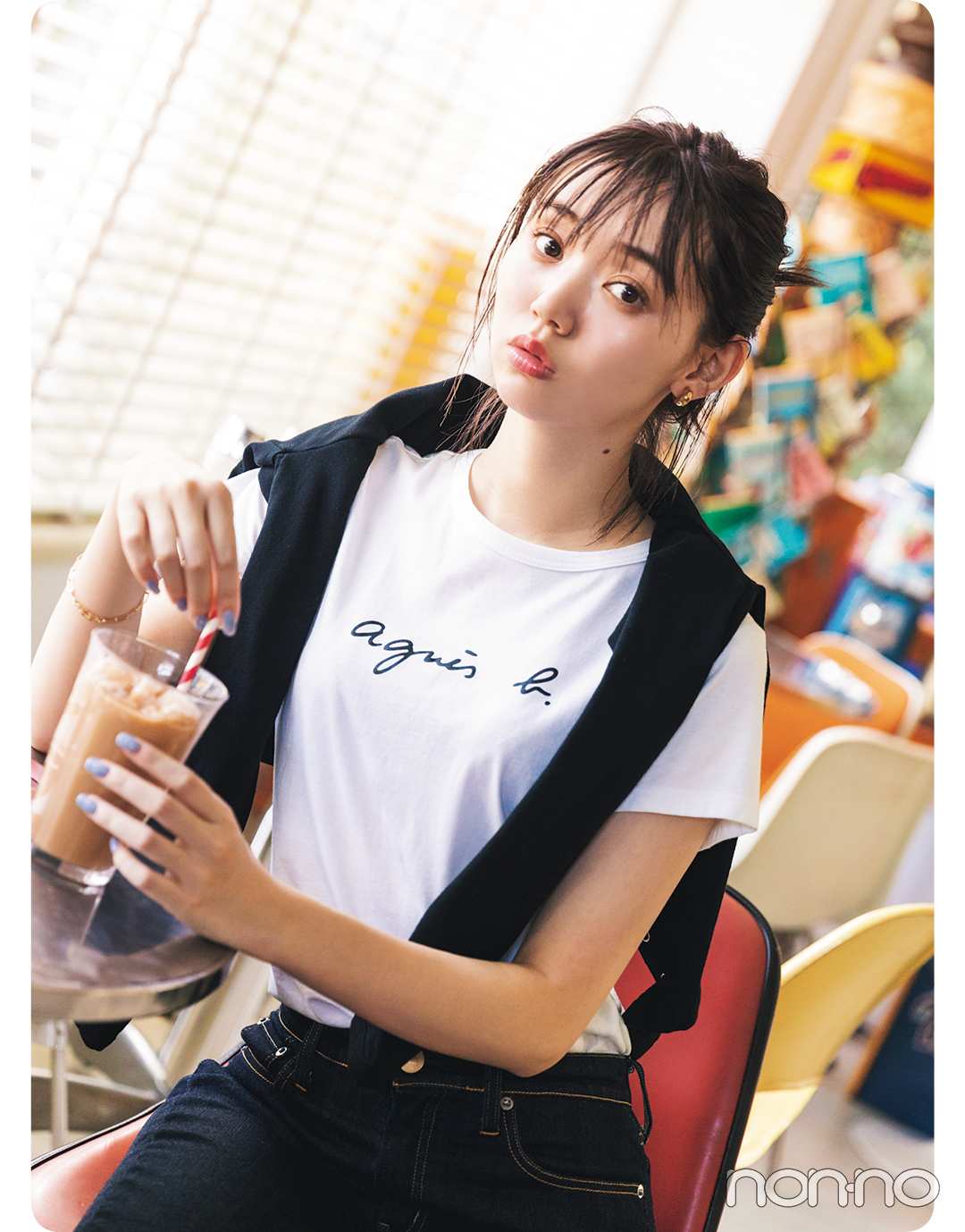 江野沢愛美が着るアニエスベーのTシャツコーデ4