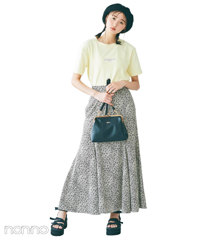 遠藤さくらのプチロゴTシャツ×Aラインスカートコーデ2